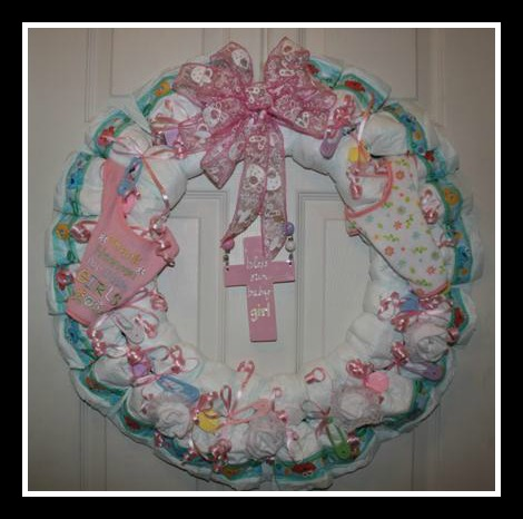 Diaper Wreath makes a great #baby shower gift